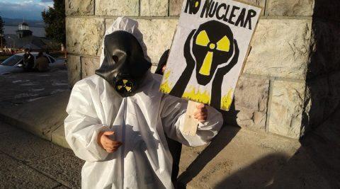 """""""Sí a la Vida"""": Movilización en Bariloche contra la instalación de la central nuclear en Río Negro"""