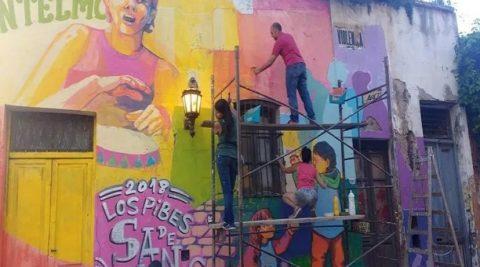 Pintar el Mural del Barrio de San Telmo